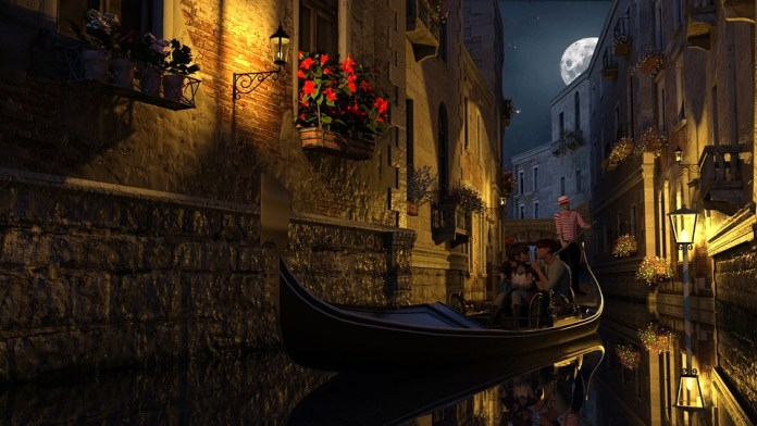 Night photo of Venice