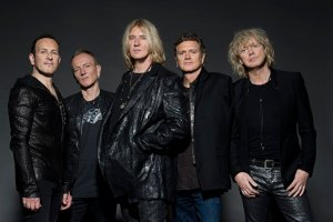 Def Leppard: photo courtesy of Ross Halfin