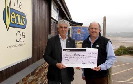 Paul Gompertz DWT gives Michael Smith Venus Company