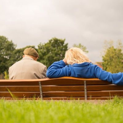 6 Ways to Ease Your Parent's Transition from Assisted Living to Memory Care