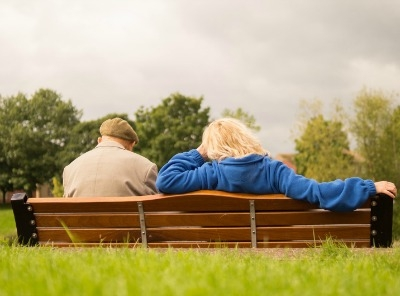Helping Someone With Alzheimer's Grieve Safely