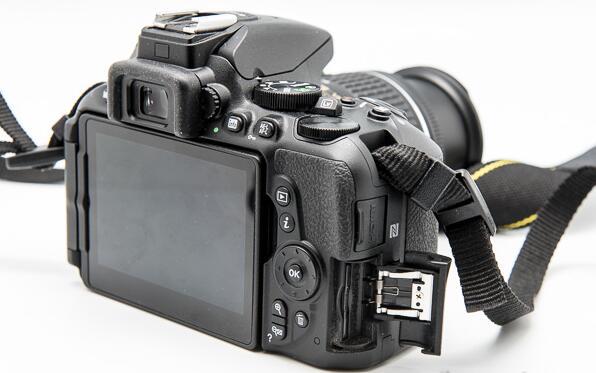 Nikon D5500 vs  D5600 vs  D7200 vs  D3400, what's the difference