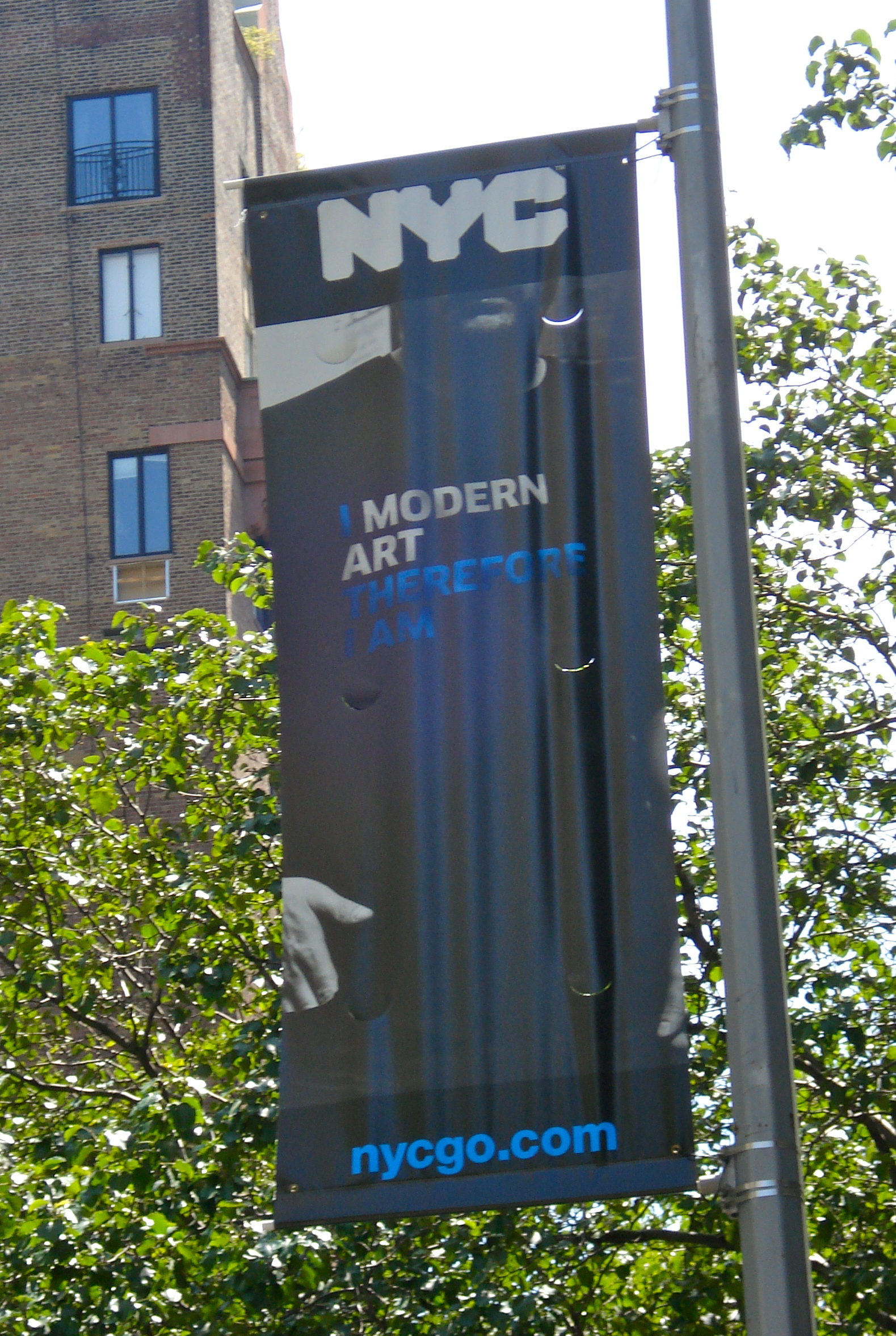 I modern art, therefore I am.  Yes.  Yes I do.  Yes I am.