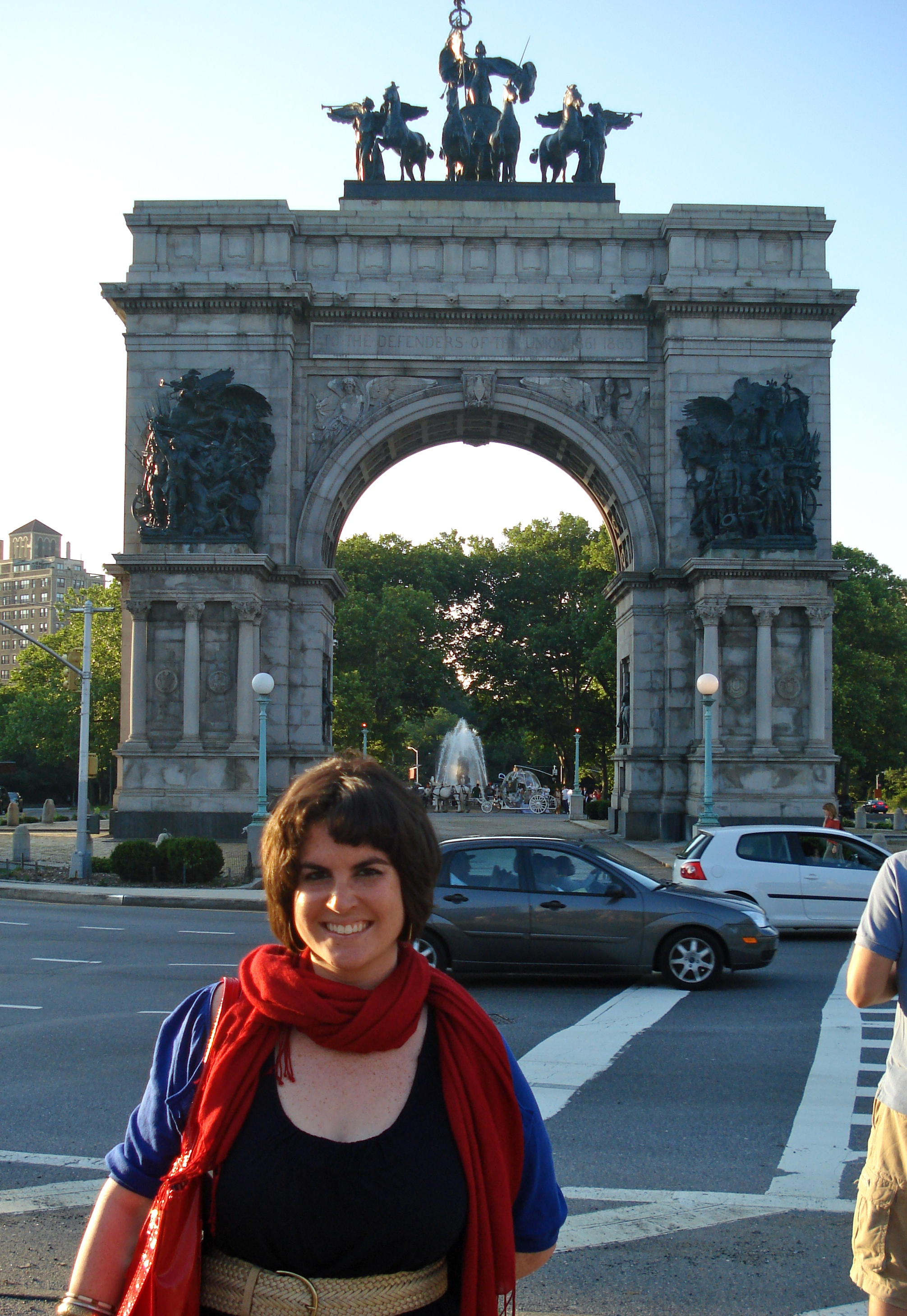 In front of the arch at Grand Army Plaza, heading into the park, just to verify that I was in New York City and in Brooklyn.