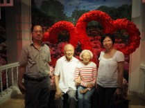My parents with Mr and Mrs LKY.