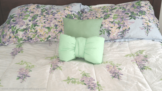 diy bow pillow