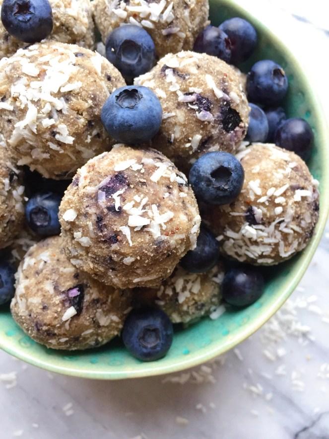blueberry balls 1.jpg