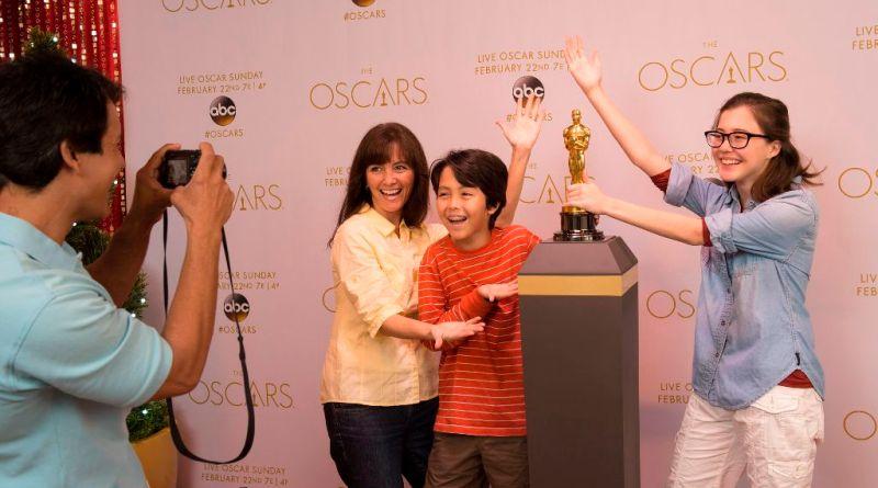 Authentic Oscar¨ Statuette