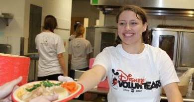 disney voluntear thanksgiving