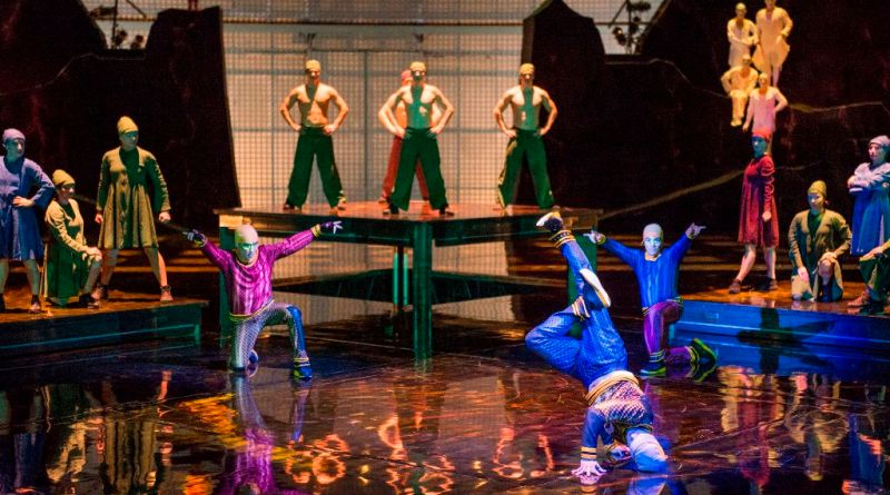 Cirque du Soliel La Nouba, B-Boys
