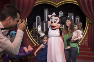 Minnie Mouse - dhs - meet & greet