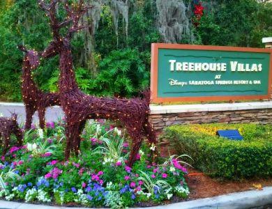 Treehouse Villas Christmas - Wordless Wednesday