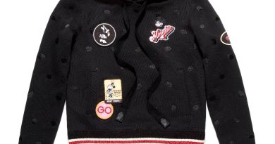 Minnie Mouse Cropped Hoodie