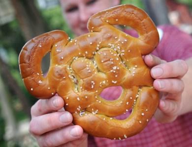 mickey pretzel