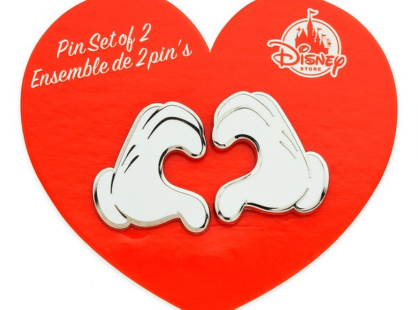 Disney Store Mickey Minnie Friendship Pins