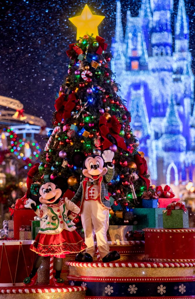 Very Merry Christmas Party 2019.Mickey Very Merry Christmas Party The Disney Driven Life