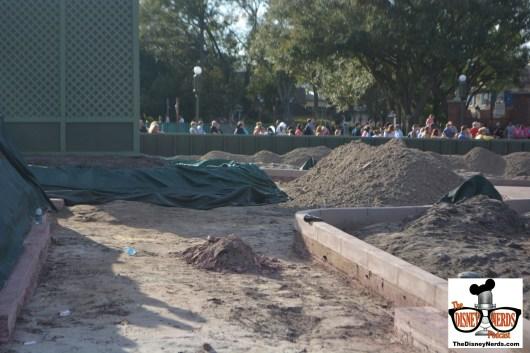 Magic Kingdom Hub Construction - Looking toward adventure land - Statue on the left.
