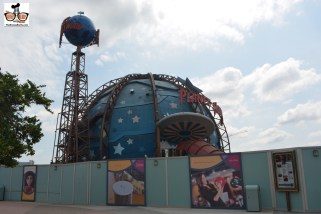 Planet Hollywood is open, and surrounded by construction