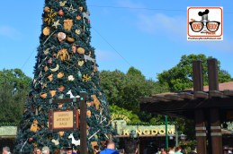 2015-12 - Animal Kingdom Christmas Tree