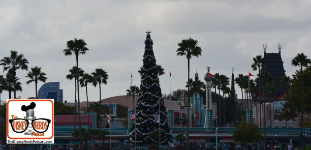 2015-12 - Hollywood Studios - Lots happening here!!