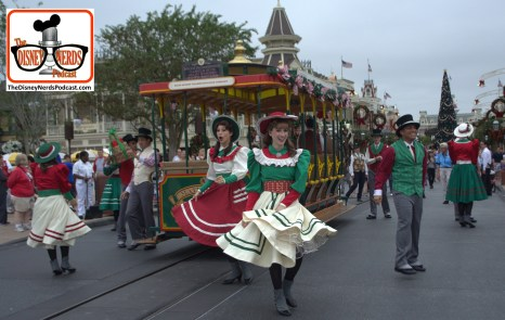 2015-12 - Magic Kingdom - Holiday Mainstreet performance