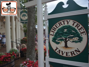 2015-12 - Magic Kingdom - Love a lunch at the Liberty Tree Tavern