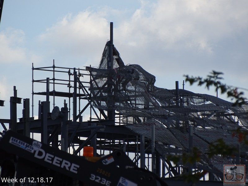 Catch this week's glimpse of the Galaxy Edge construction in the photos below.