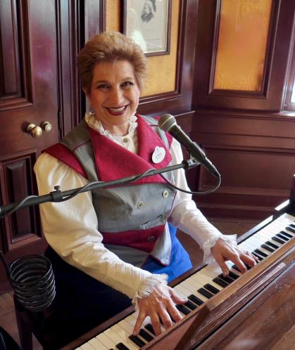 The Piano Lady Carol Stein on the Disney Nerds Podcast