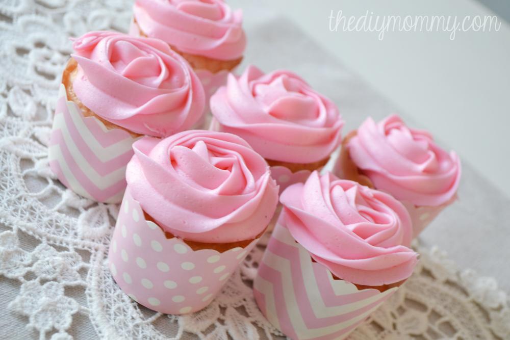 Make Easy Rose Cupcakes