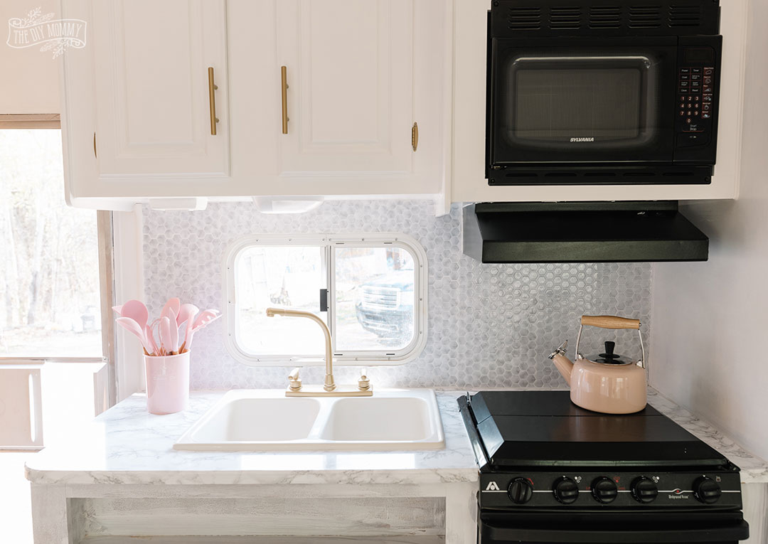 kitchen counter area makeover with peel