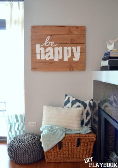 Be Happy pallet sign