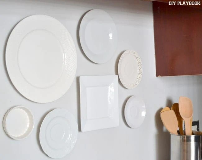 Plate-Accent-Wall