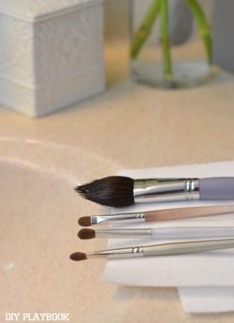 Drying-Makeup-Brushes