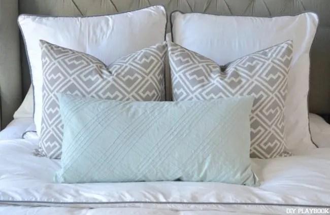 Blue-Gray-Pillows-Bedroom