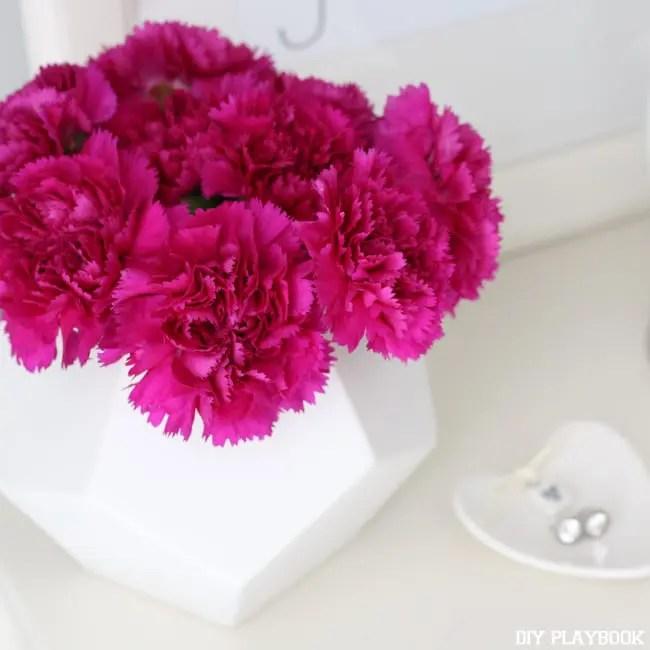 02-carnations-in-lulu and georgia-vase