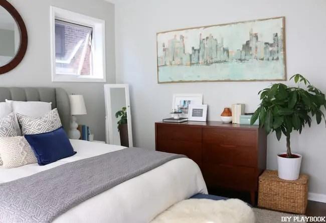 07-casey-bedroom-dresser-bed-city-art