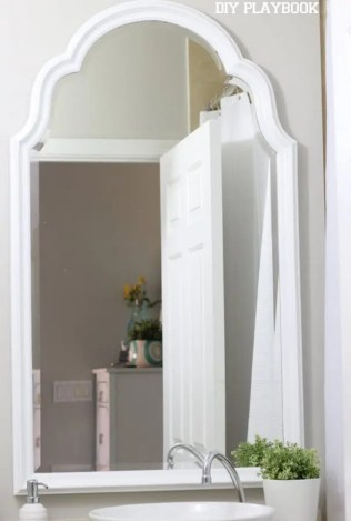 04-white-bathroom-mirror