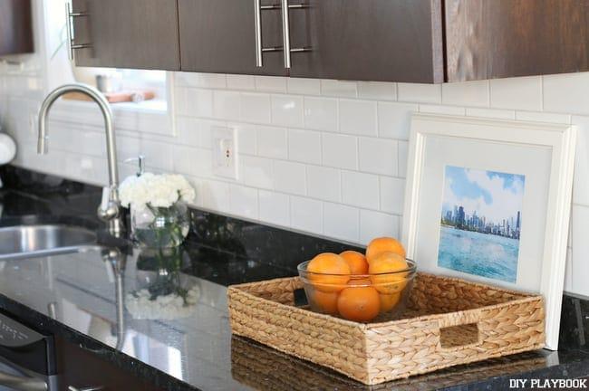 10-kitchen-augusta-white-subway-tile-backsplash