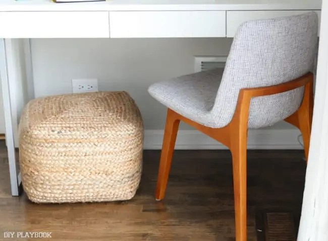 16-chair-pouf-desk-office