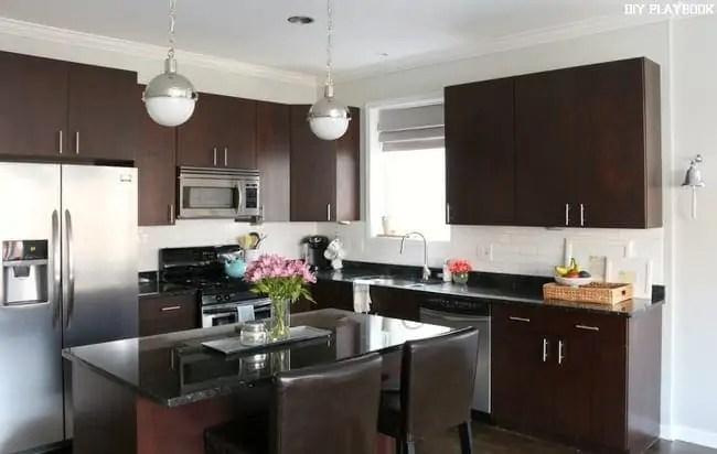 kitchen-wide-shot-window-treatment-roman-shade