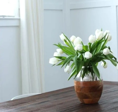 tulips_dining_room