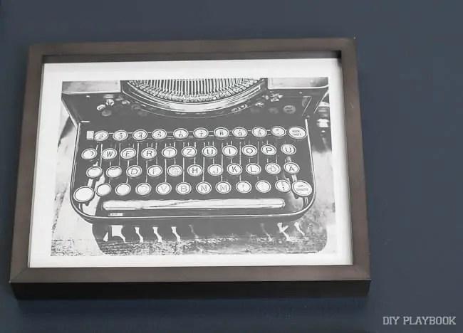 typewriter-frame-minted