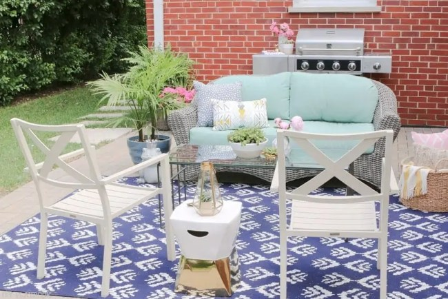 Bridget_Patio_Furniture_flowers_plants-7