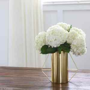bridget-home-tour-wide-shots-family-room-flower-vase
