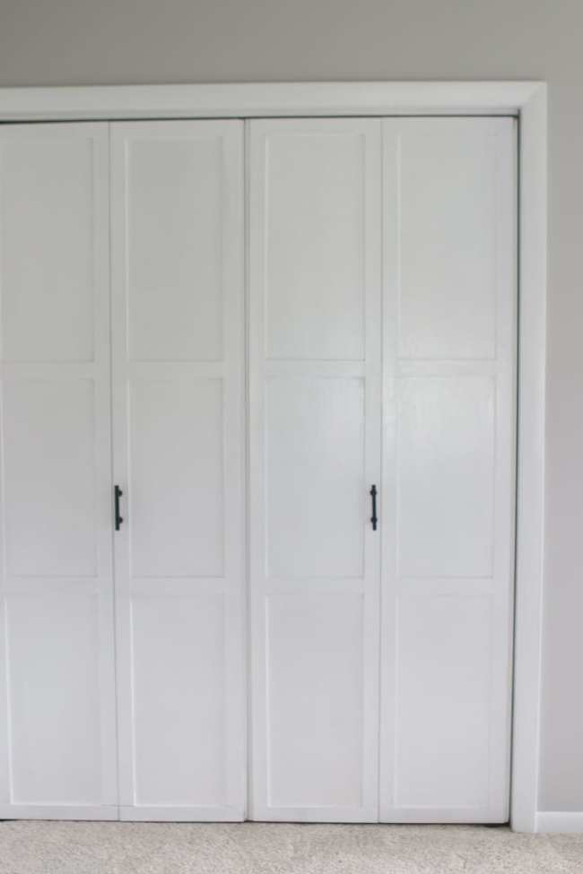 lowes-makeover-bedroom-reveal-closet-doors-vertical