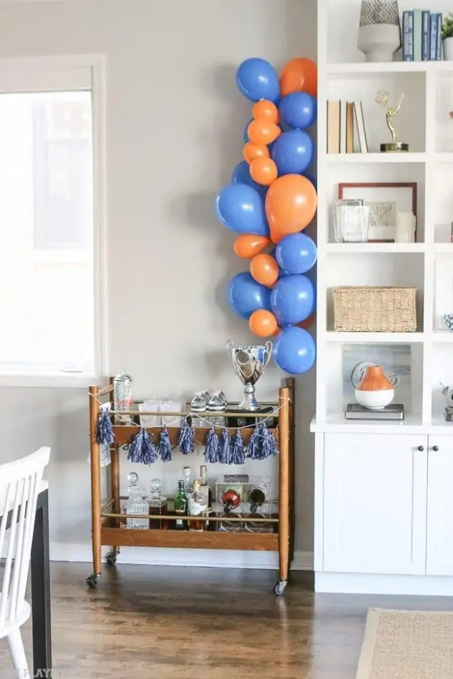 nfl_chicago_bears_homegating-barcart-balloons