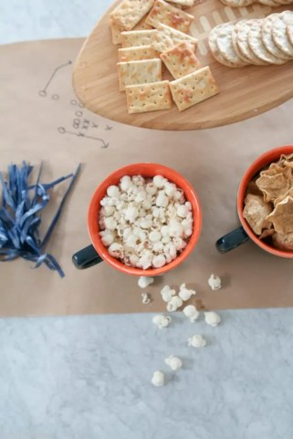nfl_chicago_bears_homegating-popcorn-snacks