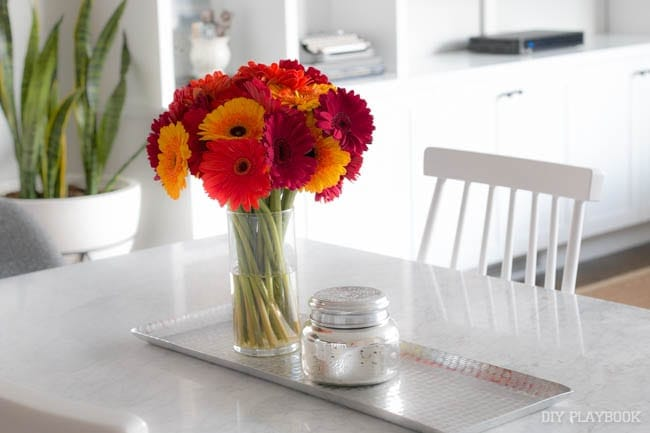 dining-room-table-flowers-vase