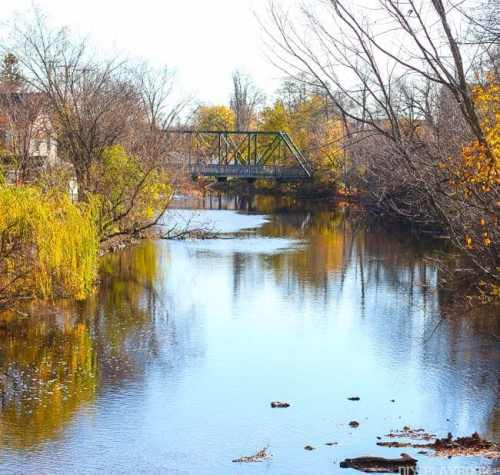 cedarburg-river-fall