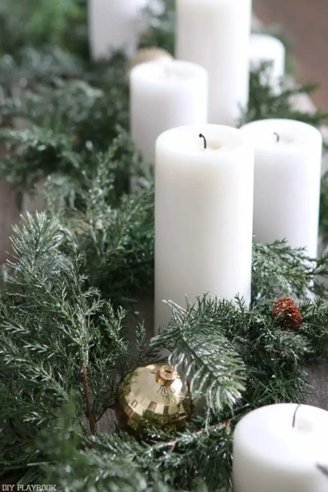 easy-christmas-centerpiece-with-candles